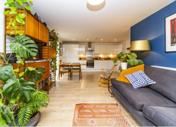 Thumbnail 2 bed flat for sale in 14 Eythorne Road, Oval