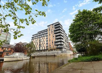 Thumbnail 2 bed flat to rent in Kennet House, 80 Kings Road, Reading