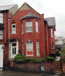Thumbnail 1 bed flat to rent in Queens Hill, Newport