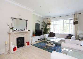 Thumbnail 2 bed flat to rent in Finchley Road, Child's Hill