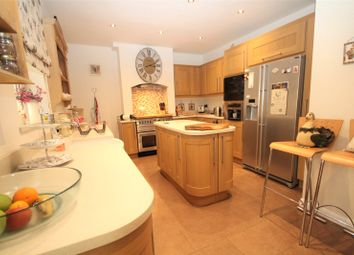 3 bed property for sale in Warwick Road, Welling, Kent DA16