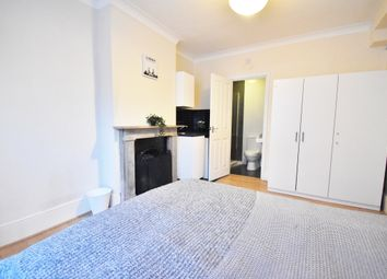 Thumbnail Room to rent in Southbridge Place, Croydon