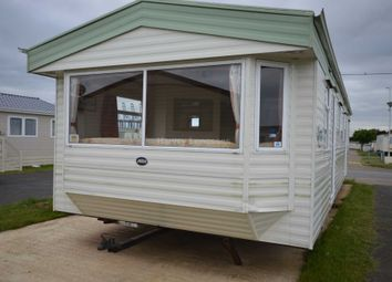 Thumbnail 2 bedroom mobile/park home for sale in Suffolk Sands Holiday Park, Carr Road, Felixstowe