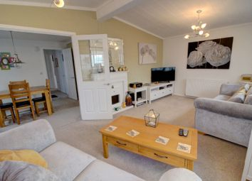 Thumbnail 2 bed bungalow for sale in Loddon Court Farm Park Homes, Beech Hill Road, Spencers Wood, Reading
