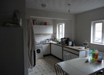 Thumbnail 5 bed shared accommodation to rent in Newnham Street, Bedford