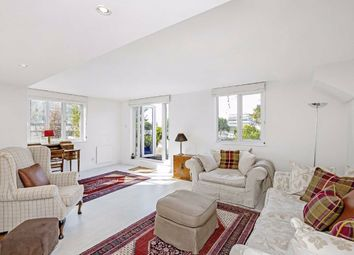 Thumbnail 4 bed flat for sale in Metro Central Heights, Elephant Castle, London