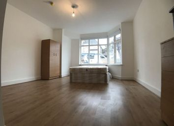 Thumbnail 1 bed flat to rent in Paddock Road, London