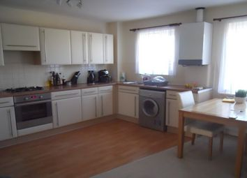 2 bed flat to rent in Hever Gardens, Ashford TN23