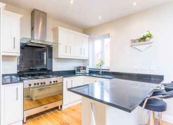 Thumbnail 3 bedroom flat for sale in Avenue Crescent, Acton