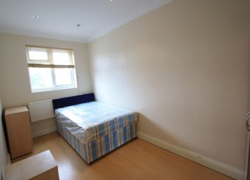 Thumbnail 2 bed flat to rent in Queenstown Road, Clapham