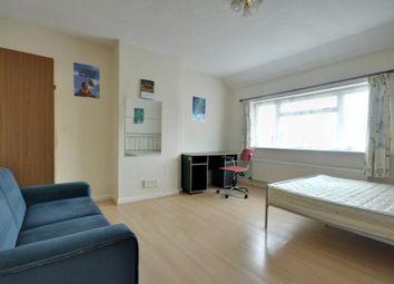 Thumbnail 5 bedroom property to rent in Orchard Waye, Uxbridge, Middlesex