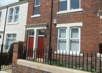 Thumbnail 3 bed flat to rent in Watt Street, Gateshead