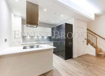 Thumbnail 2 bedroom property for sale in Williamsburg Plaza, Canary Wharf