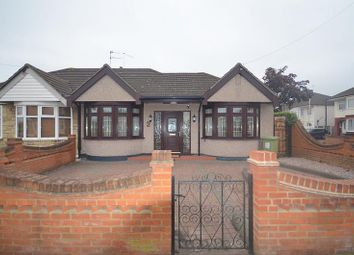 Thumbnail Bungalow to rent in Central Drive, Hornchurch