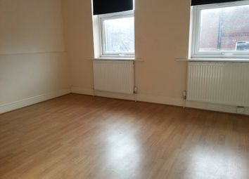 Thumbnail 5 bed flat to rent in Fieldgate Street, London