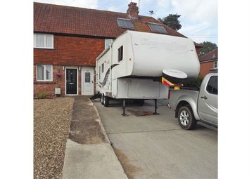 Thumbnail 3 bed terraced house for sale in Lingfield Road, Edenbridge, Kent