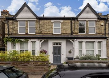 Thumbnail 4 bed flat to rent in Hastings Road, London