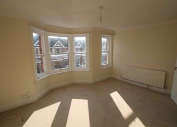 2 bed flat to rent in Stoneham Road, Hove BN3