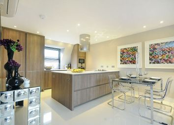 Thumbnail 4 bed flat to rent in St. Johns Wood Park, London