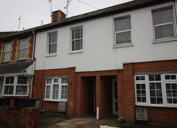 Thumbnail 1 bed flat to rent in Lynmouth Road, Reading