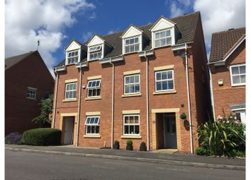 Thumbnail 3 bed town house for sale in Lynnon Field, Warwick