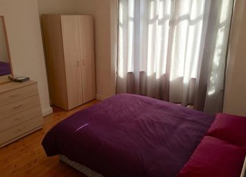 Thumbnail Room to rent in Ravenhurst Avenue, Hendon