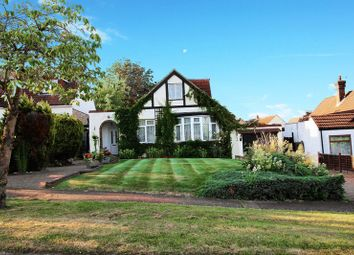 Thumbnail 4 bedroom detached house for sale in King James Avenue, Cuffley, Potters Bar