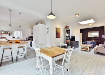 2 bed flat for sale in Ballards Lane, London N3