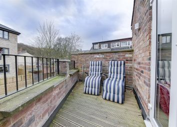 Thumbnail 3 bedroom flat to rent in Woodlea Road, Waterfoot, Rossendale