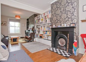 2 bed terraced house to rent in Sternhall Lane, Peckham, London SE15