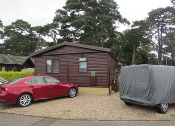 2 bed mobile/park home for sale in Ecton Lane, Sywell, Northampton NN6