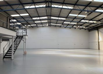 Thumbnail Warehouse to let in Somers Place, Somers Place Industrial Estate, Brixton