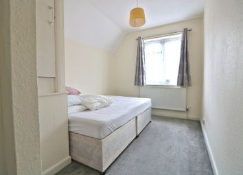 Thumbnail Room to rent in Western Avenue, Acton, London.