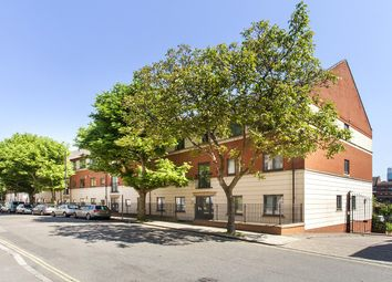 Thumbnail 2 bed flat for sale in Tollington Way, Islington, London