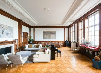 Thumbnail 3 bed flat for sale in Rosebery Avenue, London