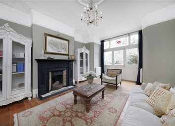 Thumbnail 4 bed flat to rent in Fontaine Road, London