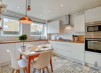 Thumbnail Room to rent in Brownlow Road, London