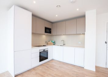 Kingwood Apartments, 31 Waterline Way, London SE8. 1 bed flat