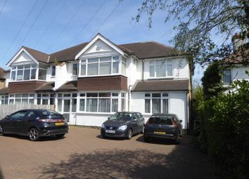Thumbnail 1 bed flat to rent in Woodcote Grove Road, Coulsdon