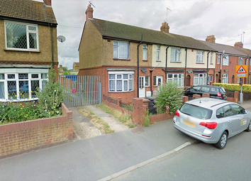 Thumbnail 5 bedroom semi-detached house to rent in Blundell Road, Luton