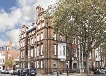 Thumbnail 1 bed flat to rent in Chelsea Embankment, London