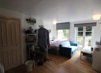 Thumbnail Studio to rent in Fairfield Road, London