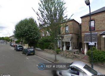 Thumbnail 5 bed flat to rent in Finsbury Park Road, London