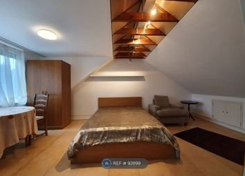 Thumbnail Room to rent in Fairfield Crescent, Edgware