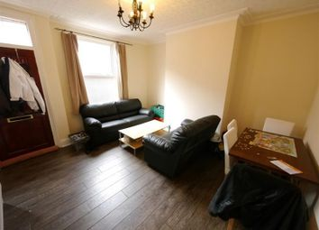 2 bed property to rent in Harold Place, Hyde Park, Leeds LS6