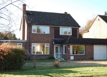 Thumbnail 4 bed detached house to rent in Tilsworth Road, Beaconsfield
