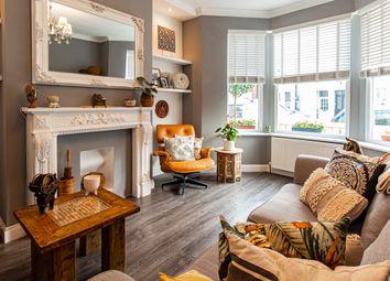 2 bed flat for sale in Burdett Avenue, Westcliff-On-Sea SS0