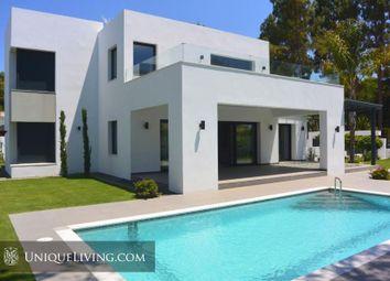 Thumbnail 4 bed villa for sale in El Paraiso, Estepona, Costa Del Sol