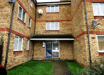 Thumbnail 1 bed flat to rent in Parsonage Road, Grays