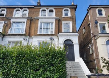 Woodland Road, New Southgate, London N11. 2 bed flat